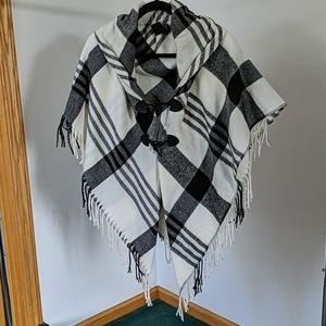 Black & White Fringed Poncho One Size